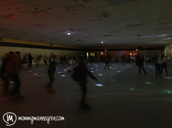 Date Night Rollerskating6