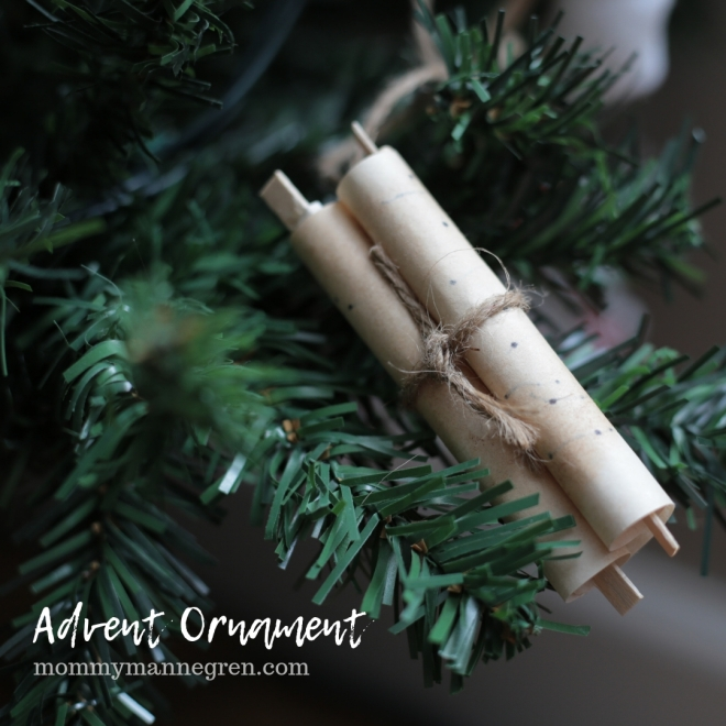 Advent Ornament: Scroll